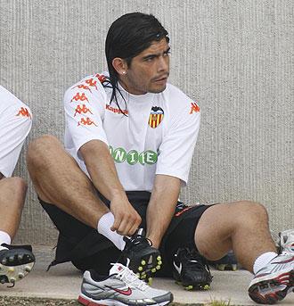 Banega tras un entrenamiento con el Valencia