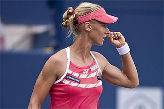 Elena Dementieva celebra un punto en su partido ante Serena Williams en Toronto