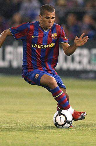 Dani Alves, durante un partido con el Barcelona