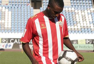 Henak Goitom, delantero del UD Almería