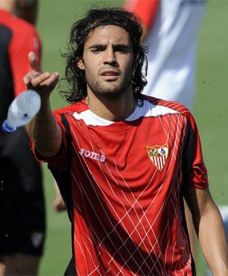 Sergio Sánchez, en un entrenamiento del Sevilla.