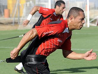 Adriano, durante un entrenamiento