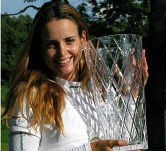 Beatriz Recari, con el trofeo del torneo