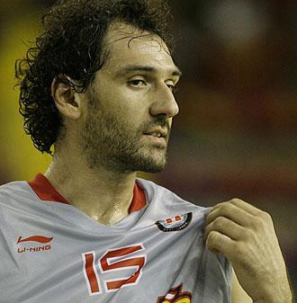 Jorge Garbajosa jugando con Espa�a