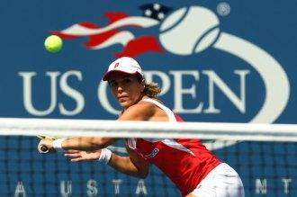 María José Martínez durante su partido ante Serena Williams.