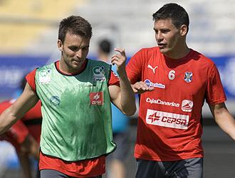 Pablo Sicilia y Ayoze durante un entrenamiento con el Tenerife