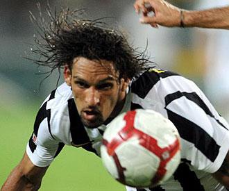 Amauri jugando con la Juventus