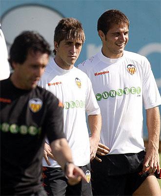 Joaqu�n y Pablo Hern�ndez, durante un entrenamiento con el Valencia