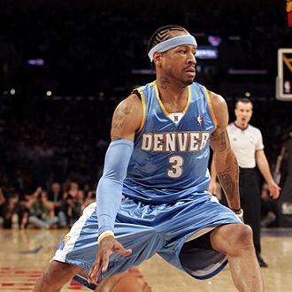 Iverson durante un partido en la NBA