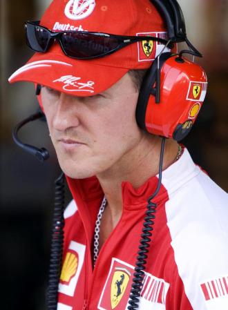 Michael Schumacher, el el 'box' de Ferrari en Monza