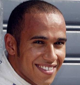 Hamilton, feliz tras conseguir la 'pole'.
