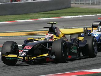 Javi Villa durante una carrera de GP2
