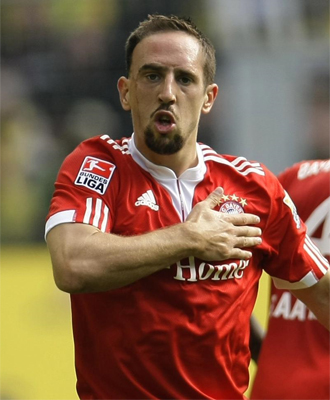 Franck Ribery celebra un tanto con el Bayern de Múnich