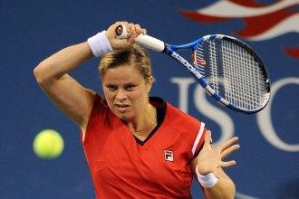 Kim Clijsters golpea una bola durante la final del US Open.