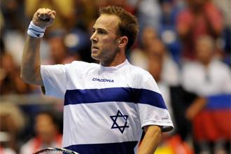 Dudi Sela en un partido de la Copa Davis.