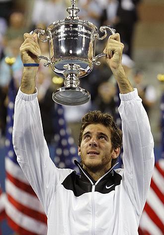 Juan Martín del Potro levantando el trofeod e campeón del Open USA