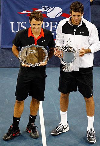 Roger Federer y Juan Mart�n del Potro tras la final
