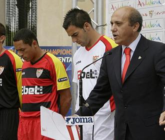 Del Nido durante la presentación de la equipación de Champions