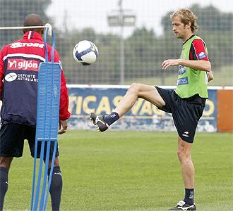 Gerard durante un entrenamiento con el Sporting