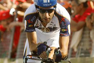 David Blanco, en una llegada durante la Vuelta a Portua.