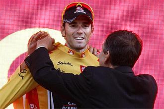 Valverde, con el maillot oro.