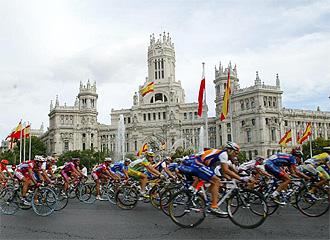 Los ciclistas, por Madrid en una edici�n pasada