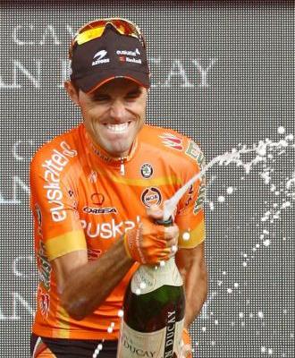 Samuel S�nchez en el podio de Madrid.