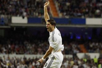 Cristiano celebra uno de sus dos tantos ante el Xerez.