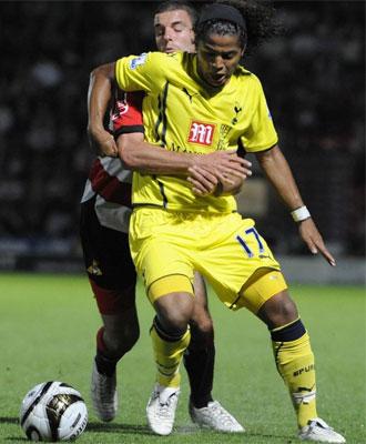 Giovani Dos Santos en un partido con el Tottenham.