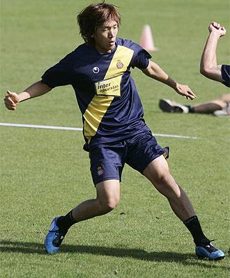 Nakamura se entrena con el Espanyol.