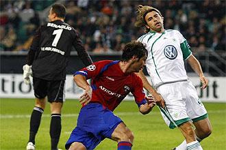 Alan Dzagoev, durante un partido de Champions ante el Wolfsburgo