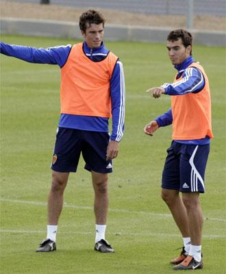 Pavón habla con Obradovic en un entrenamiento.
