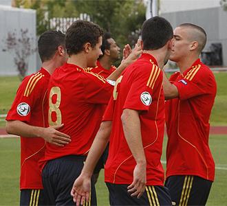 Los jugadores de la Selecci�n celebran un gol.