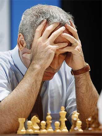 Kasparov durante las partidas r�pidas de este jueves en Valencia.