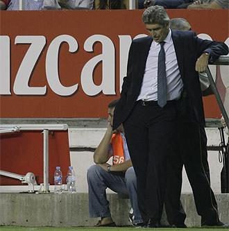 Pellegrini se apoya en el banquillo del S�nchez Pizju�n