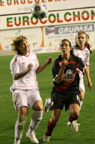 Momento del partido de ida disputado en el Teresa Rivero.