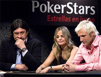 Ca�izares, 'Mono' Burgos y Milene juegan al Poker.