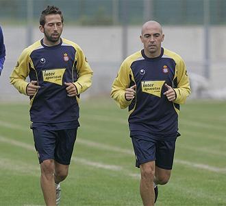 De la Peña y Tamudo corren en un entrenamiento.