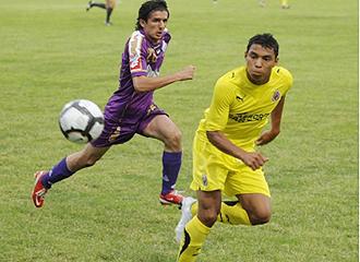 Jefferson Montero, en la imagen durante un partido de pretemporada, no podr� estar con el Villarreal B ante el Rayo al jugar con su selecci�n