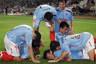 Los jugadores del Celta celebran uno de los tantos ante el Girona