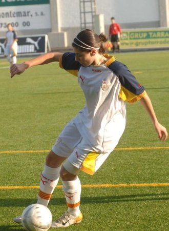 Vicky Losada, durante un partido con la selección catalana.