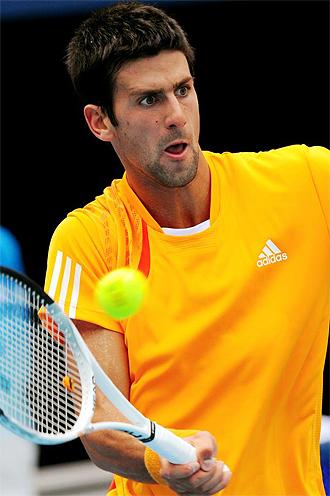 El serbio Novak Djokovic en un lance del partido.