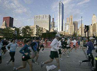 Miles de atletas participaron en el Marat�n de Chicago