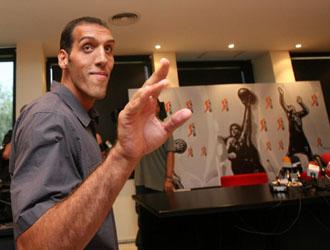 Dueñas, en el homenaje de la ACB tras su retirada