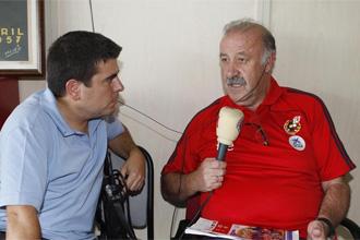 Vicente del Bosque junto a nuestro compañero de Radio MARCA Miguel Ángel Díaz.