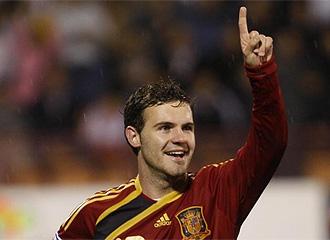Mata celebra un gol con la selección.