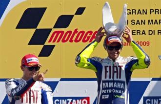Rossi y Lorenzo, en el podio de Misano.