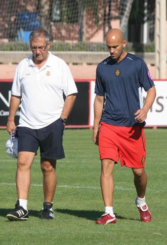Manzano, en un entrenamiento junto a Nunes.