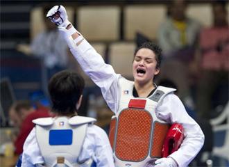 La espa�ola Rosana Sim�n, tras conseguir la medalla de oro