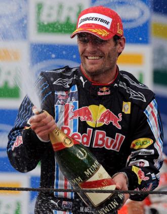 Webber celebra su victoria en Brasil.